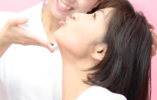 """ラフォンテでは、髪だけのキレイではなく 顔からも作られる""""本質的な美容""""を追求していきます。"""