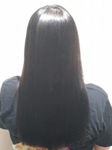 つくばの美容院ラフォンテの髪質改善トリートメントエステの女性モデルのヘア